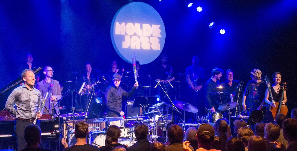 Espen Berg og Trondheim Jazzorkester etter urframføring under Moldejazz 2017. (foto: Terje Mosnes)